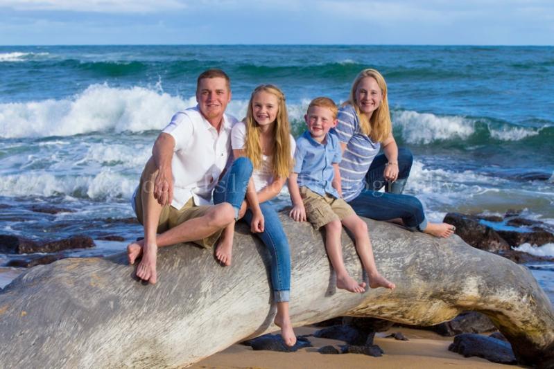 Kauai Family Portrait -7079-edit