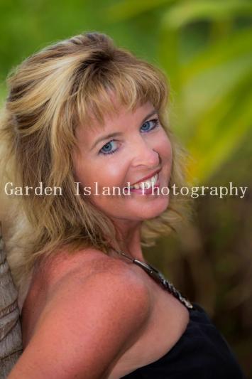 Kauai Family Portrait -2096-edit