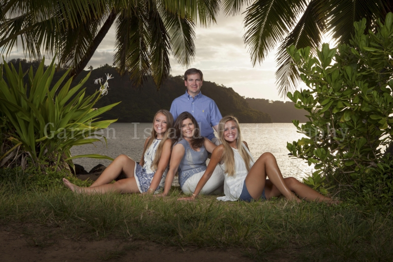 Kauai Family Portrait -6412-edit